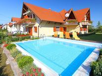 Ferienwohnung 404598 für 4 Personen in Balatonmariafürdö