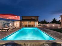 Ferienhaus 405482 für 12 Personen in Pula