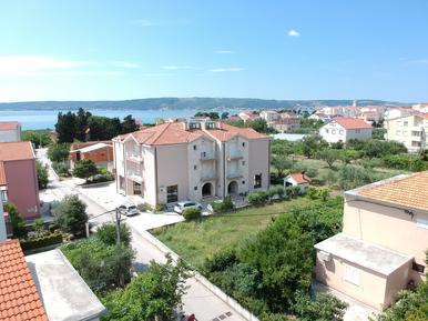 Apartamento 408682 para 4 adultos + 1 niño en Kaštela
