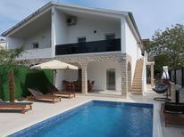 Ferienhaus 415138 für 9 Personen in Sveti Anton
