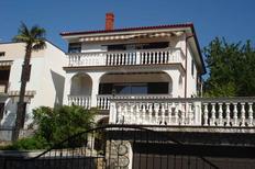 Appartement 423709 voor 5 personen in Malinska-Dubašnica