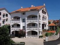 Ferienwohnung 423734 für 5 Personen in Radici