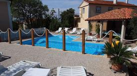 Ferienwohnung 423774 für 5 Personen in Sveti Vid-Miholjice