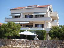 Apartamento 424009 para 4 personas en Povljana