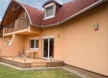 Ferienwohnung 424901 für 6 Personen in Balatonkeresztúr