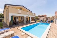 Ferienhaus 427205 für 12 Personen in Kaldanija
