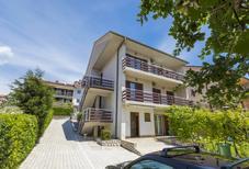Appartement de vacances 431889 pour 5 personnes , Crikvenica