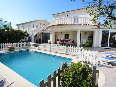 Holiday home 437239 for 8 persons in Cambrils