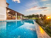 Ferienhaus 437309 für 12 Personen in Mirca