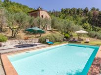 Ferienhaus 448976 für 8 Personen in San Concordio di Moriano