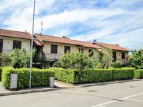Ferienwohnung 463042 für 4 Personen in Monvalle