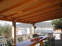 Ferienwohnung 468199 für 5 Personen in Supetarska Draga