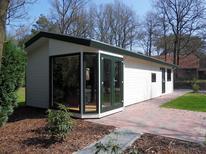 Ferienhaus 468948 für 4 Personen in Hooghalen