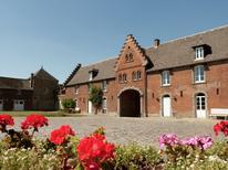 Vakantiehuis 472252 voor 32 personen in Gembloux