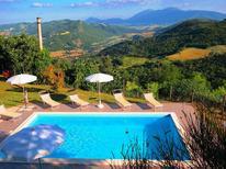 Vakantiehuis 474544 voor 12 personen in Acqualagna