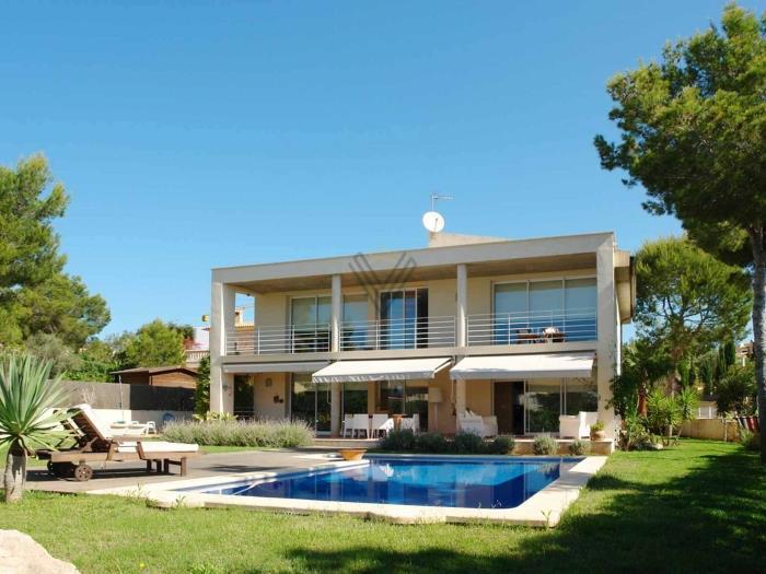 Недвижимость дома в испании на побережье недорого