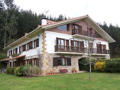 Ferienwohnung 488792 für 6 Personen in Busturia