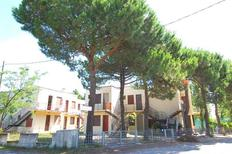 Holiday apartment 489130 for 4 adults + 1 child in Rosolina Mare