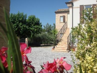Casa de vacaciones 497291 para 11 adultos + 3 niños en Montefiore dell'Aso