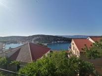 Holiday apartment 497299 for 5 persons in Jelsa