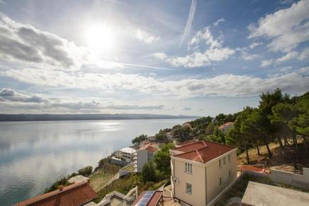 Apartamento 601198 para 4 adultos + 1 niño en Marušici