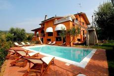 Appartement 608489 voor 3 volwassenen + 1 kind in Massa e Cozzile