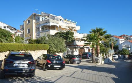 Apartamento 608531 para 4 adultos + 3 niños en Okrug Gornji