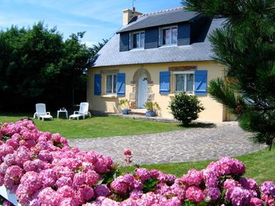 Holiday home 609571 for 9 adults + 2 children in Crozon