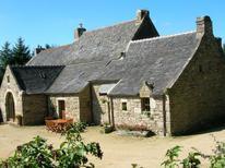Villa 612229 per 8 adulti + 2 bambini in Plounéour-Ménez