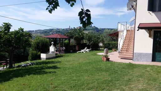 Villa 613376 per 6 adulti + 1 bambino in Cellino Attanasio
