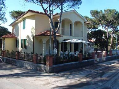 Holiday apartment 617046 for 7 persons in Castagneto Carducci