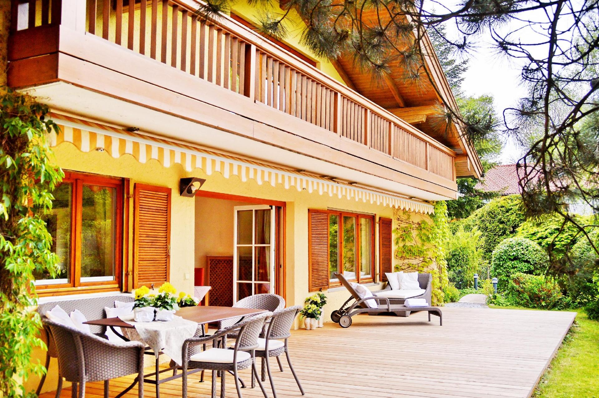ferienhaus f r 6 personen in breitbrunn am chiemsee. Black Bedroom Furniture Sets. Home Design Ideas