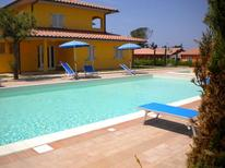 Holiday apartment 617457 for 4 persons in Puntone
