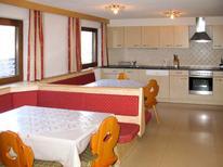 Ferienhaus 618161 für 18 Personen in Mayrhofen