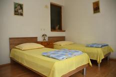Ferienwohnung 640006 für 4 Personen in Podstrana