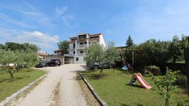 Ferienwohnung 640249 für 4 Personen in Milčetići