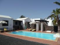 Dom wakacyjny 642350 dla 6 dorosłych + 2 dzieci w Playa Blanca