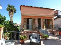 Appartement 643877 voor 4 personen in Giardini Naxos