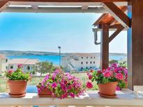 Ferienwohnung 653961 für 4 Personen in Kustići