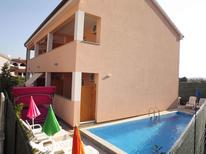 Appartamento 654572 per 8 persone in Stinjan