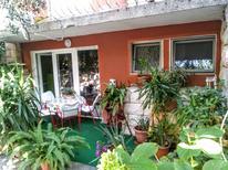 Ferienwohnung 656103 für 4 Personen in Makarska
