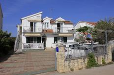 Appartamento 659211 per 8 persone in Brodarica