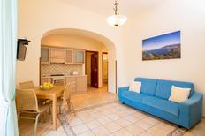 Ferienwohnung 659531 für 4 Personen in Sorrento