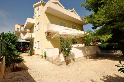 Appartamento 661934 per 4 persone in Okrug Gornji