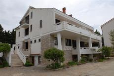 Appartement 663176 voor 4 personen in Novalja