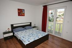 Appartement 663234 voor 2 personen in Povljana