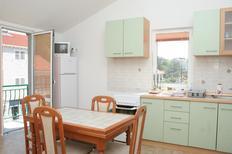 Appartement 665914 voor 5 personen in Trpanj