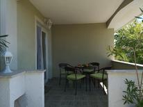 Appartement 666164 voor 4 personen in Banjol