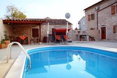 Ferienhaus 666374 für 9 Personen in Hreljici