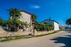 Semesterlägenhet 666400 för 4 personer i Krnica